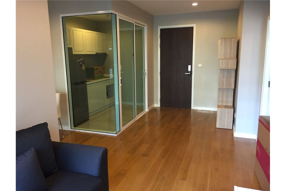 RE/MAX Executive Homes Agency's 1 Bedroom / for Rent / Condolette Dwell  26 1