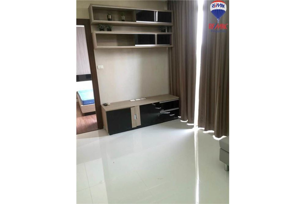 RE/MAX Properties Agency's FOR RENT The Trendy Condominium 2BED 91SQM. 4