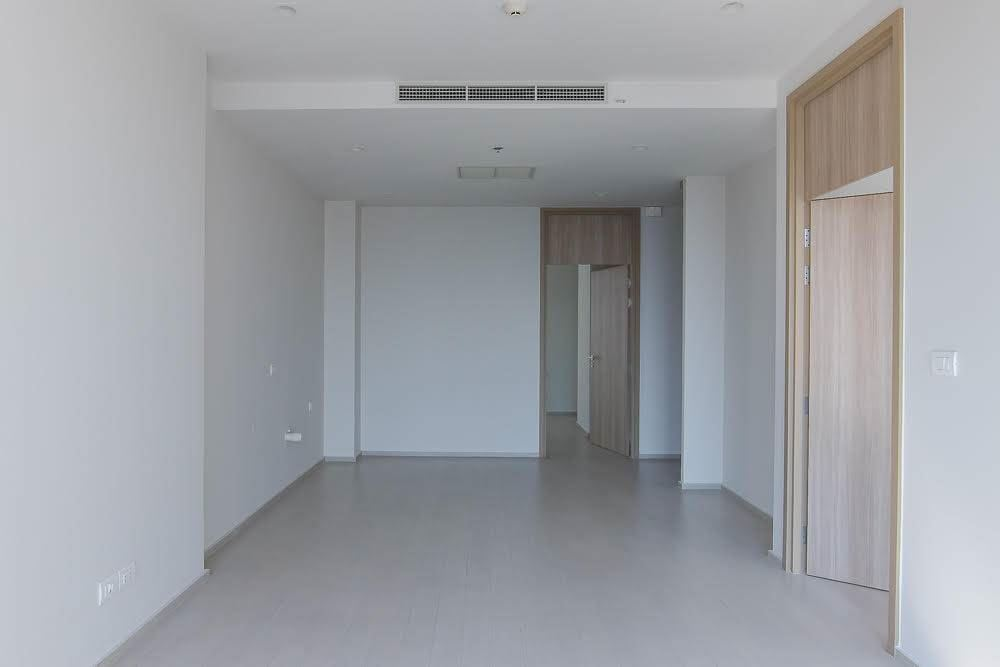 RE/MAX Executive Homes Agency's Spacious 2 Bedroom for Sale Noble Phloenchit 6