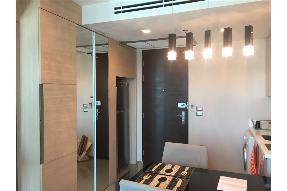 RE/MAX Executive Homes Agency's Nice 1 Bedroom for Sale Address Asoke 8