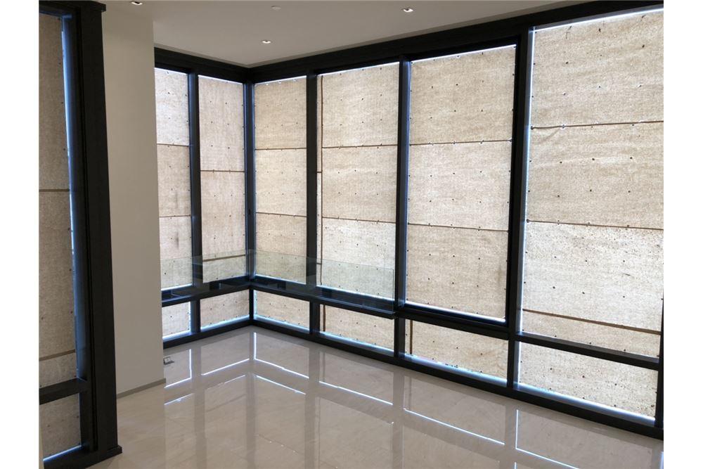 RE/MAX Executive Homes Agency's Nice 2 Bedroom for Sale Ashton Silom 2