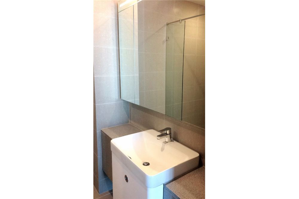 RE/MAX Properties Agency's RENT Noble Ploenchit 2BED 84SQM. 12
