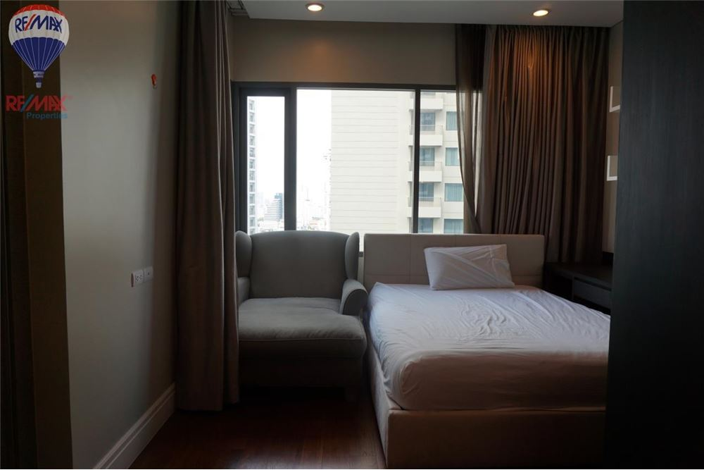 RE/MAX Properties Agency's FOR RENT  Bright Sukhumvit 24  3BED 189SQM 6