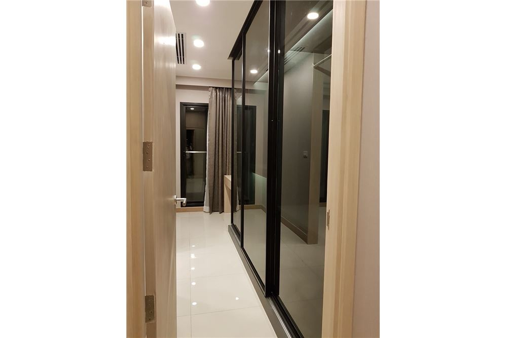 RE/MAX Properties Agency's 1 Bed for rent 55,000 THB 3