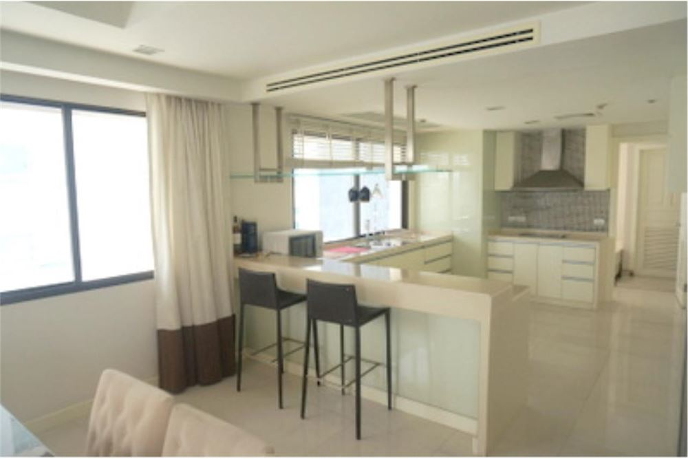 RE/MAX Properties Agency's FOR RENT  LE  RAFFINE SUKHUMVIT 24   2BED 370SQM 5