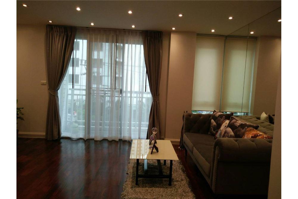 RE/MAX Properties Agency's 49 Plus 2bedroom 3