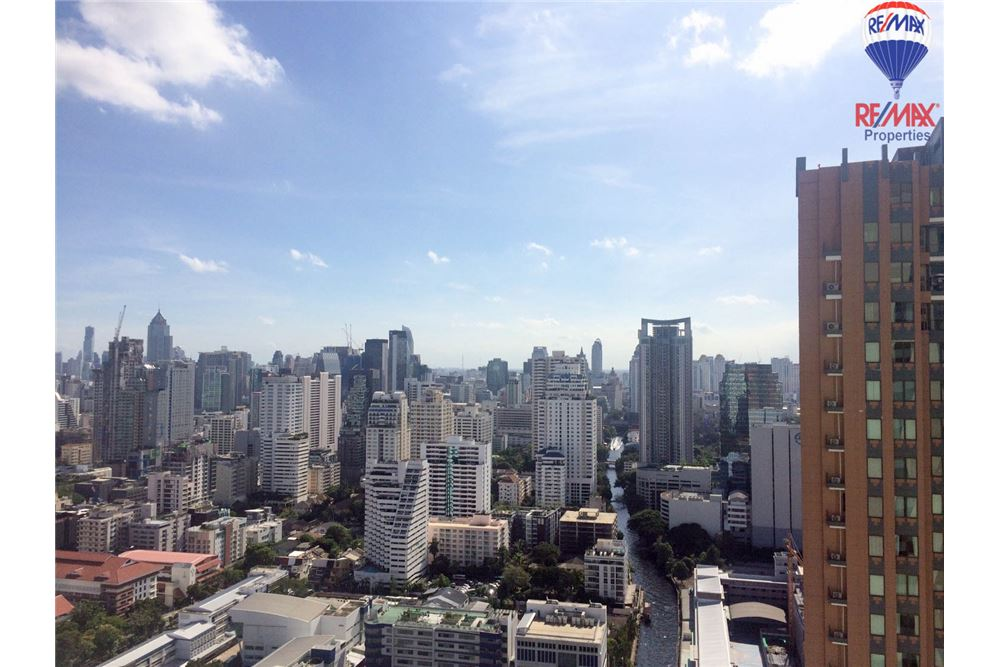 RE/MAX Properties Agency's 1 bed for RENTQ Asoke near MRT 13