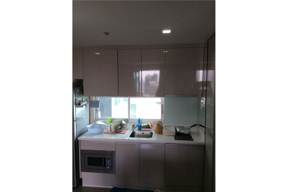 RE/MAX Executive Homes Agency's Nice 2 Bedroom for Sale with Tenant Address Asoke 6