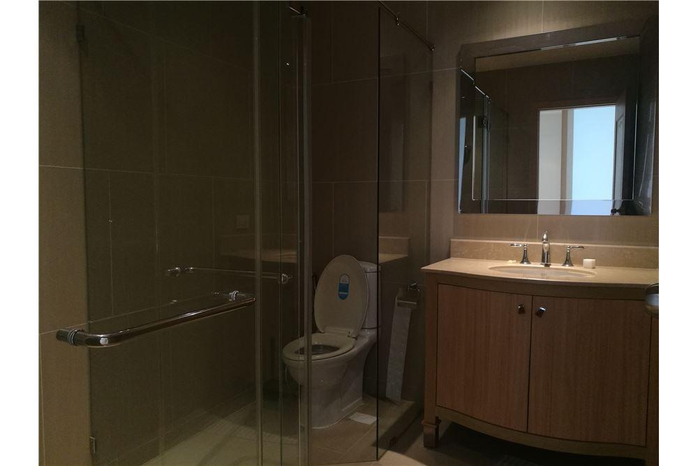 RE/MAX Properties Agency's RENT The Ritz-Carlton Residences at MahaNakhon 2