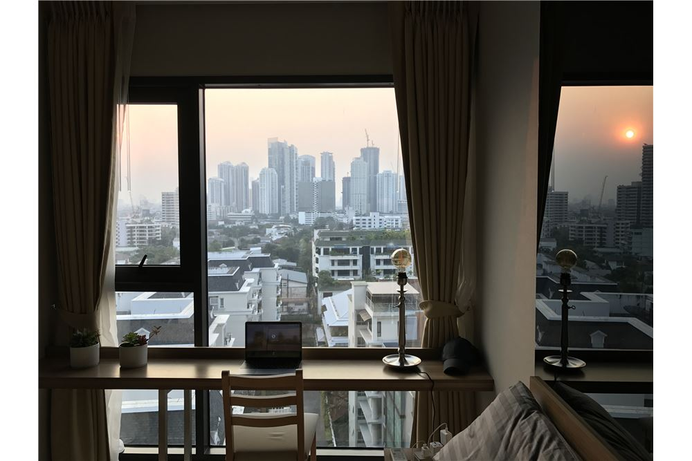 RE/MAX Properties Agency's SALE Rhythm Sukhumvit 36-38 1BED 33SQM. 3