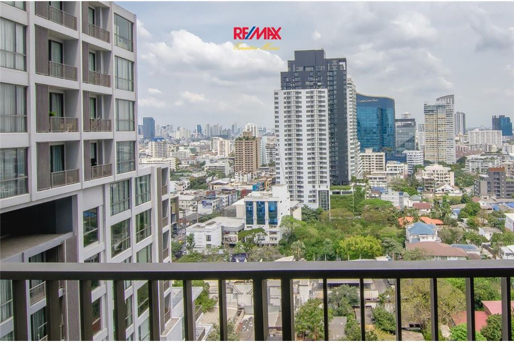 RE/MAX Executive Homes Agency's 2 Bedroom for Rent Quattro Thonglor 6