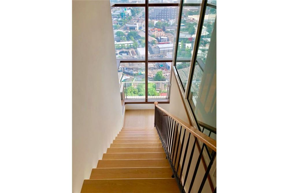 RE/MAX Properties Agency's RENT The Emporio Place Duplex 82.68SQM. 18
