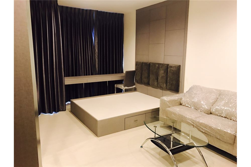 RE/MAX Executive Homes Agency's Rhythm Sukhumvit 36-38 / 1 Bed / for Rent 6