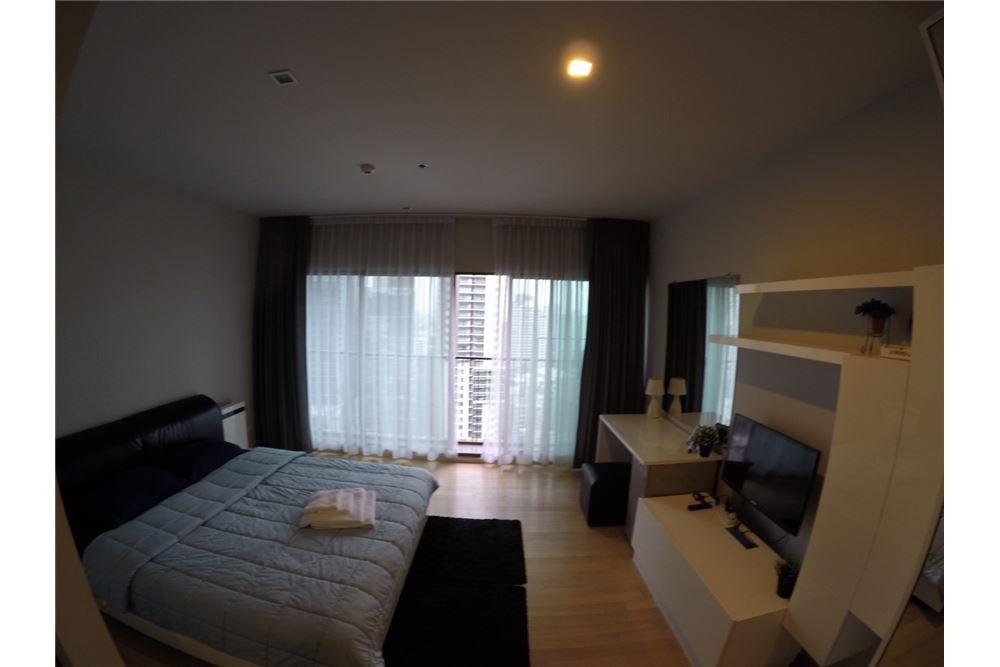 RE/MAX Executive Homes Agency's Cozy Studio type Bedroom for Rent Noble Refine 2