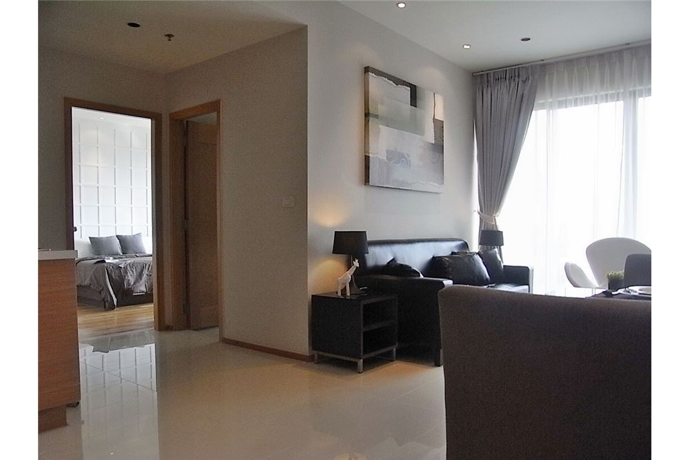 RE/MAX Properties Agency's 1 Bedroom for rent Emporio Place 55,000 Baht 2
