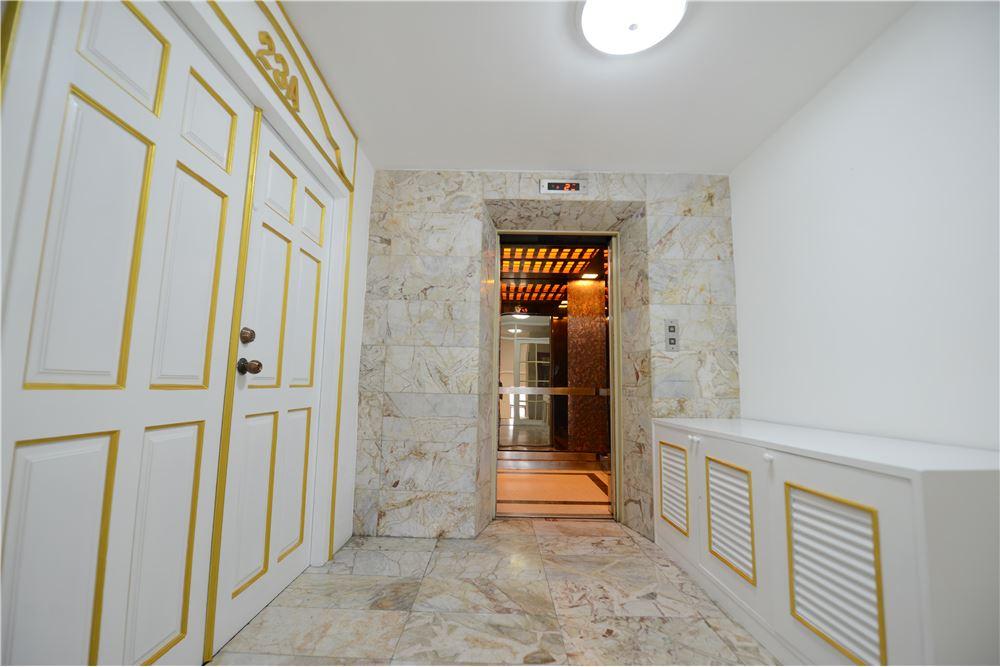 RE/MAX Executive Homes Agency's Condominium for rent - Ekkamai 12 1