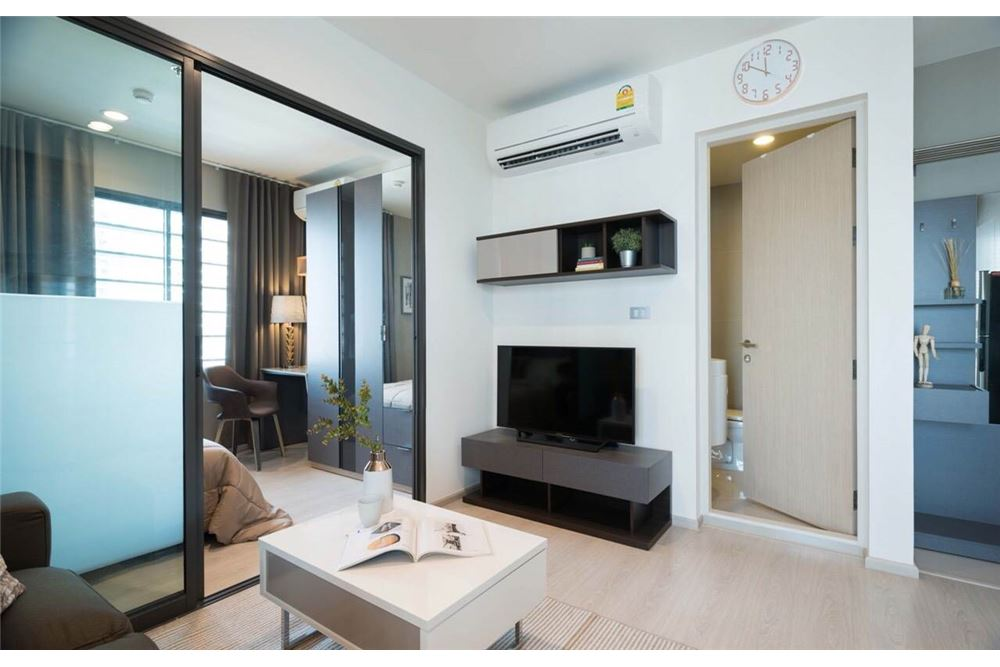 RE/MAX Executive Homes Agency's Rhythm Asoke II beautiful few rooms available for 3