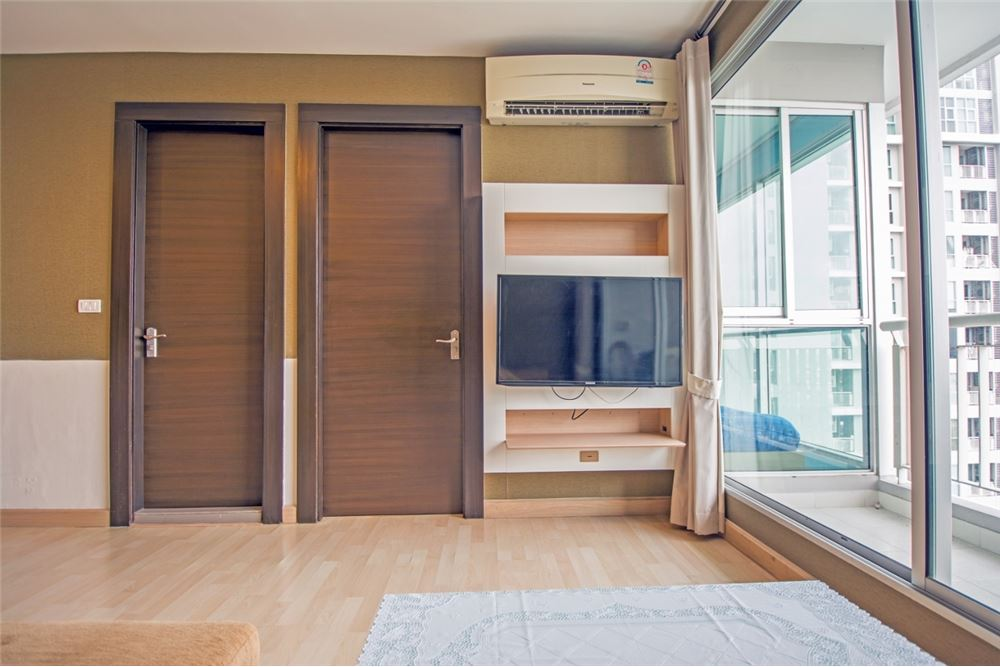 RE/MAX Properties Agency's 2 Beds for rent at Rhythm Ratchada 11