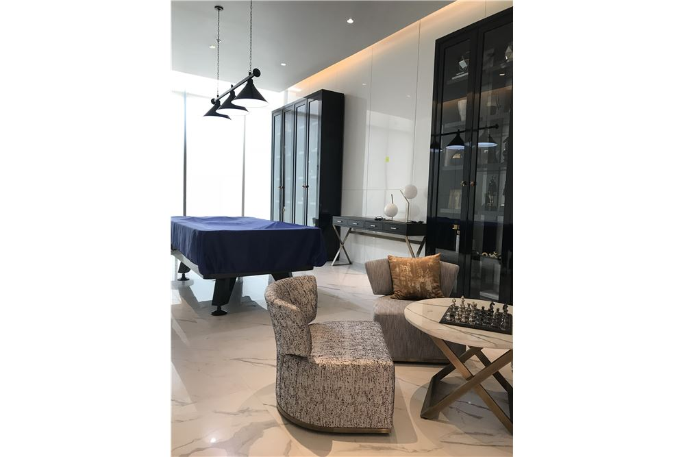 RE/MAX Executive Homes Agency's Premium Luxury 2 Bedroom for Sale Hyde 11 5