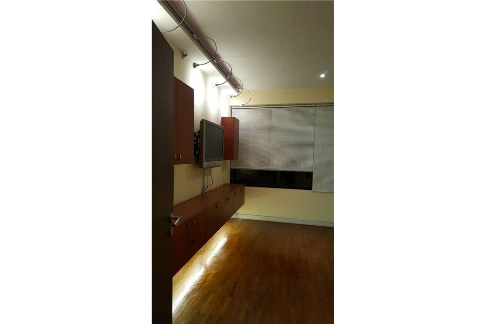 RE/MAX Properties Agency's SALE Baan Piya Sathorn 2BED 137SQM. 10