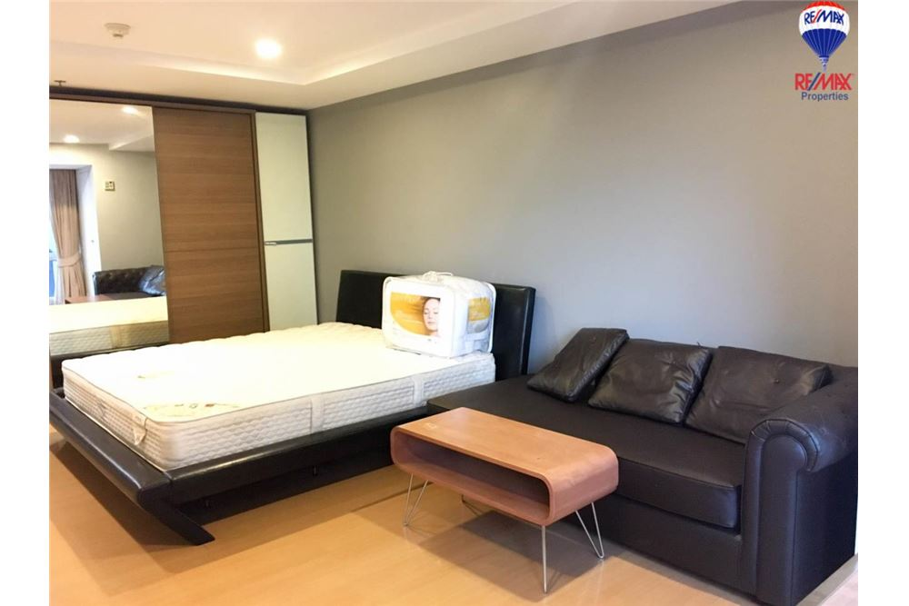 RE/MAX Properties Agency's FOR RENT The Trendy Condominium 1BED 37SQM. 8