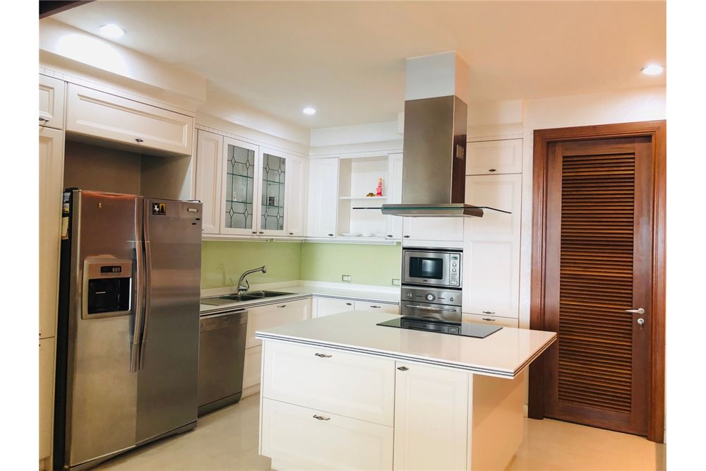 RE/MAX Executive Homes Agency's 3 Bedroom Condo for Sale at The Ascott Sathorn 9