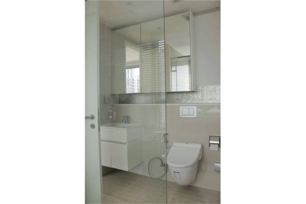 RE/MAX Properties Agency's FOR SALE  H SUKHUMVIT 43  2BED 59.14SQM 15