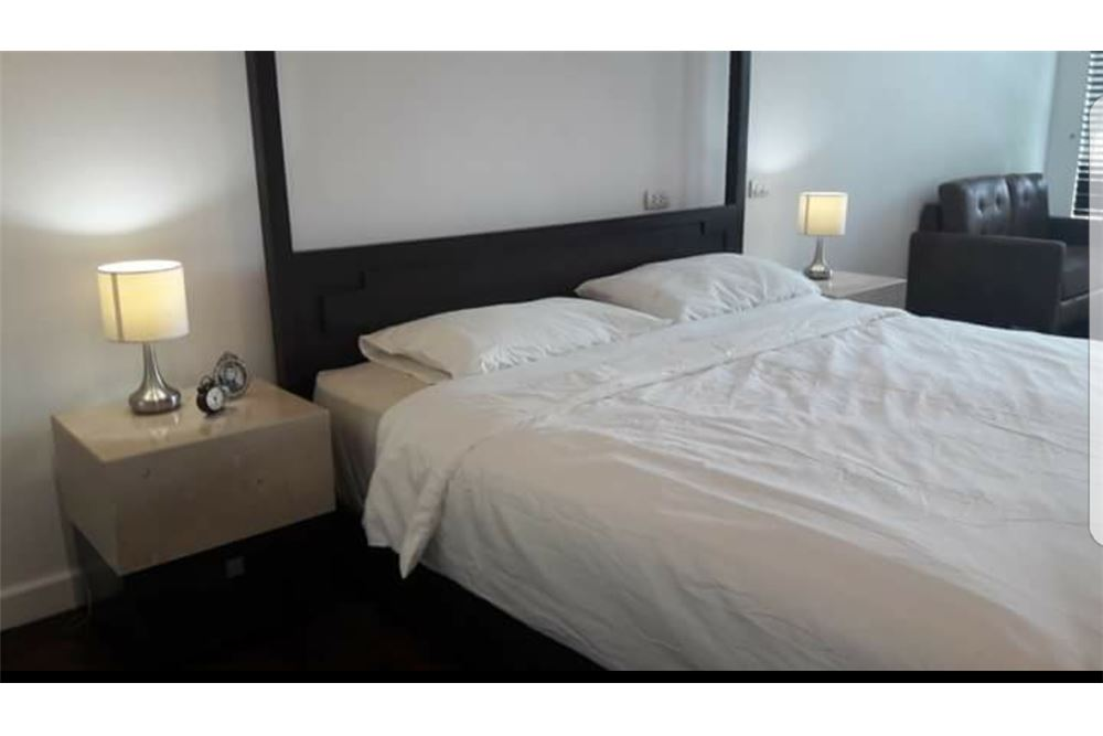 RE/MAX Executive Homes Agency's Nice 2 Spacious Bedroom for Rent Avenue 61 3