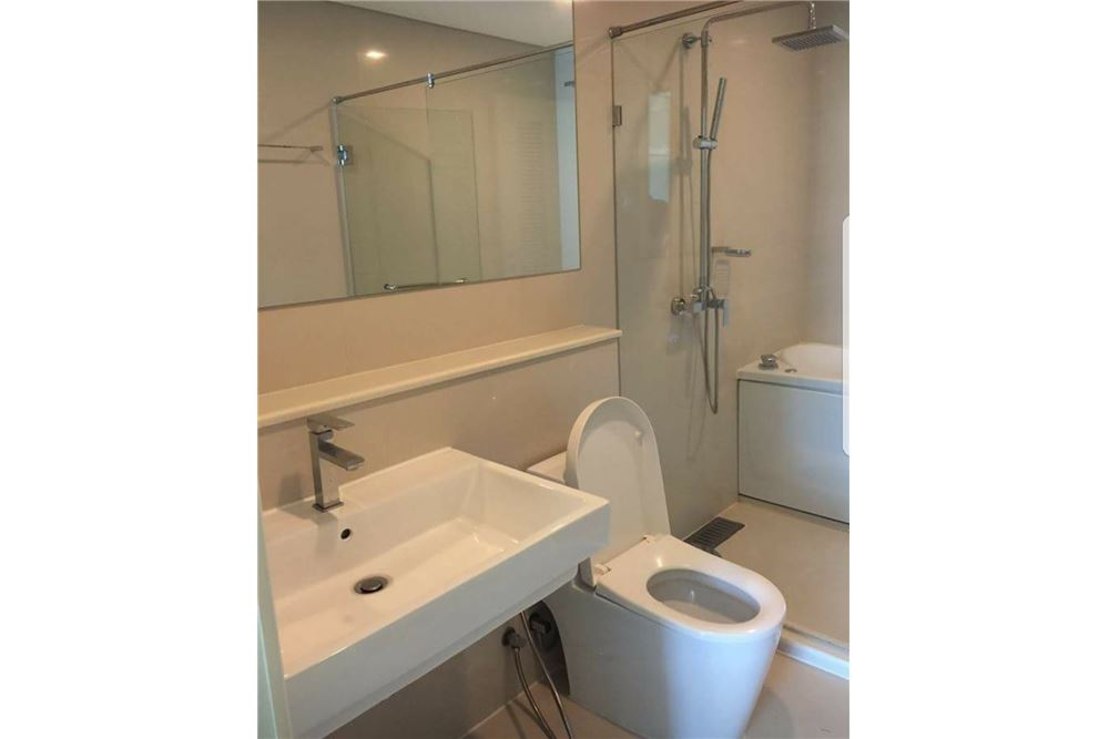 RE/MAX Executive Homes Agency's Spacious 1 Bedroom for Rent Ivy Thonglor 8