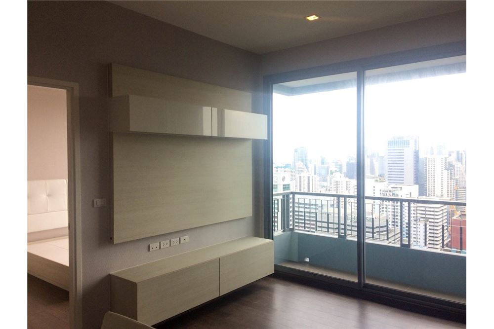RE/MAX Properties Agency's FOR RENT & SALE : BRAND NEW UNIT @Q ASOKE 3 BED 4