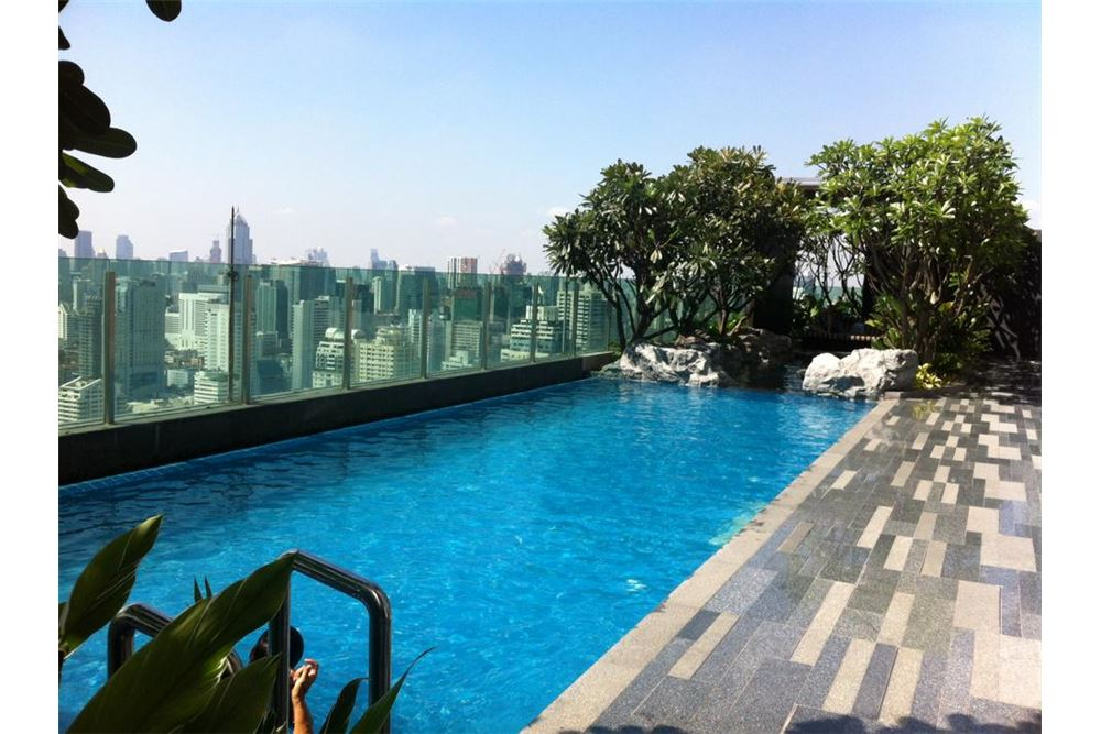 RE/MAX Executive Homes Agency's 1 Bedroom / for Rent / The Address Asoke 9