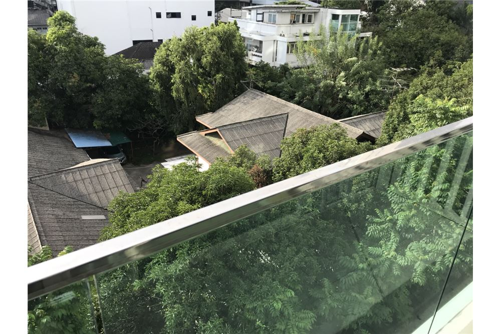 RE/MAX Properties Agency's for rent Siamese Surawong 1bedroom 7