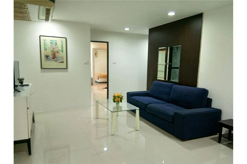 RE/MAX Executive Homes Agency's Spacious 1 Bedroom for Rent Waterford Thonglor 5 1