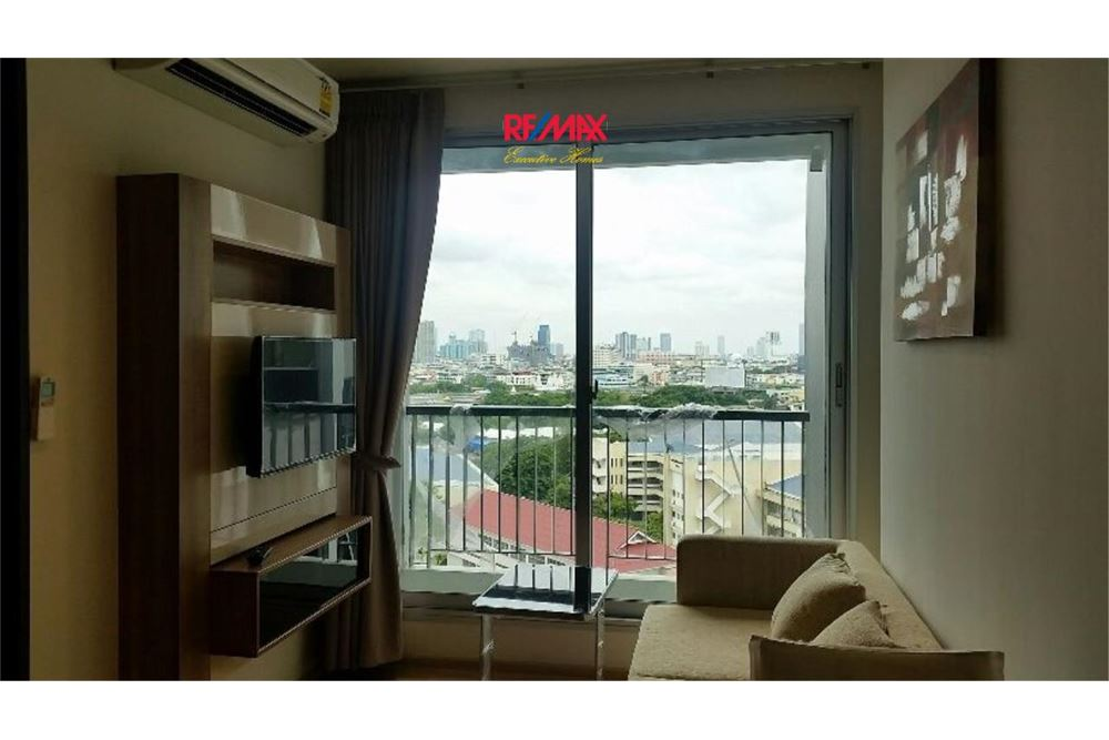 RE/MAX Executive Homes Agency's Condominium for rent - Sathorn 2