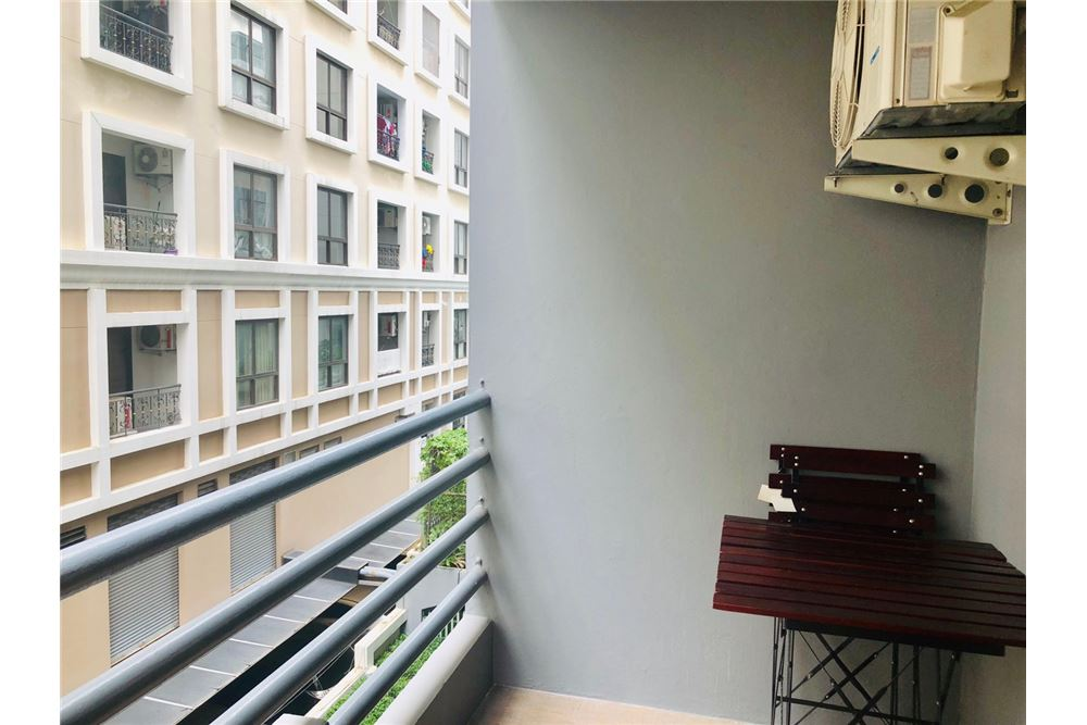 RE/MAX Executive Homes Agency's 2 Bedroom Condo for Rent in Silom 8