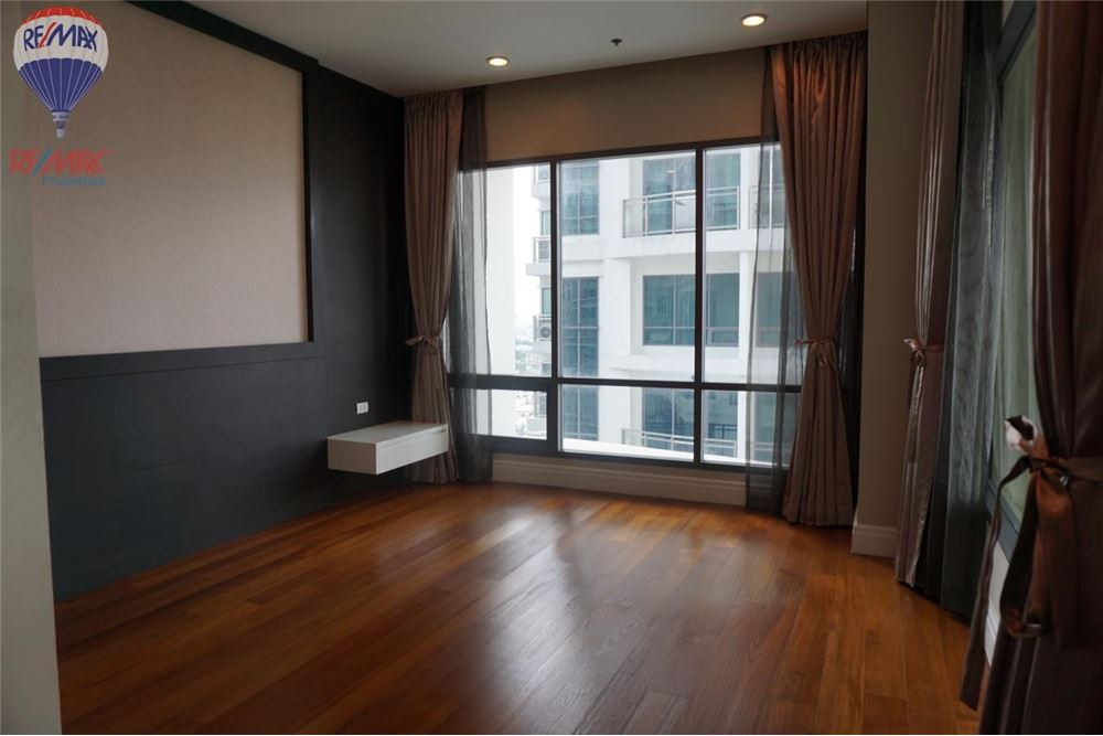 RE/MAX Properties Agency's FOR RENT  Bright Sukhumvit 24  3BED 189SQM 8