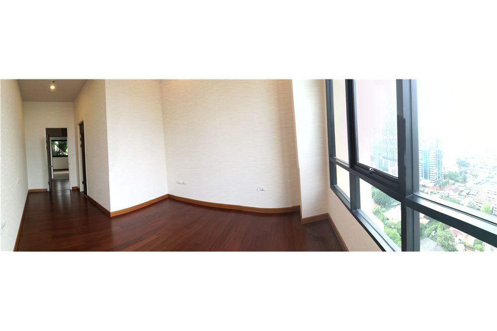 RE/MAX Executive Homes Agency's 4 Bedroom for Rent Supalai Elite Sathorn 5