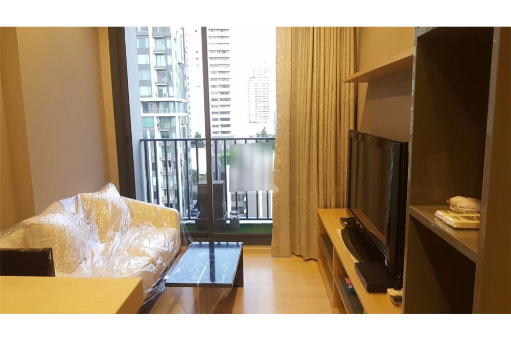 RE/MAX Executive Homes Agency's Nice 1 Bedroom for Sale with Tenant M Thonglor 1