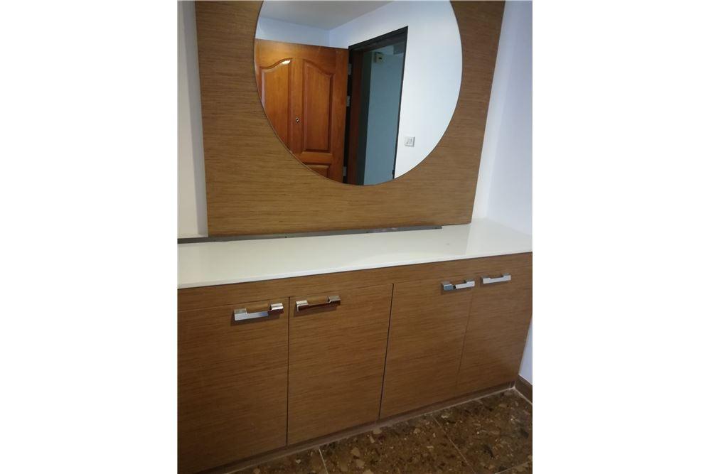 RE/MAX Executive Homes Agency's 3bedroom 2bath For Rent Sukhumvit 24, BTS 7