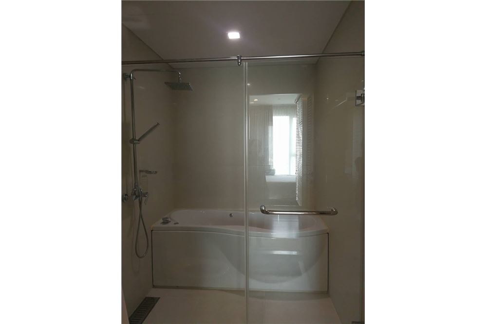 RE/MAX Properties Agency's FOR RENT  IVY THONGLOR   1BED 43.7SQM 12