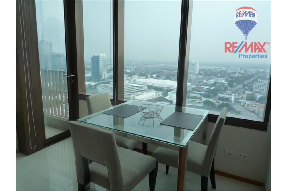 RE/MAX Properties Agency's FOR RENT The Emporio Place 1BED 83SQM 11