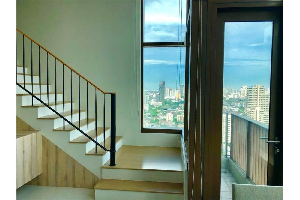 RE/MAX Properties Agency's RENT The Emporio Place Duplex 82.68SQM. 15