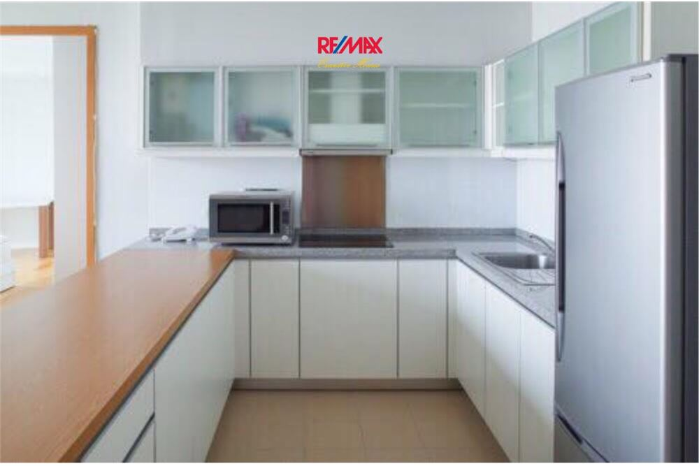 RE/MAX Executive Homes Agency's Millennium Residence / 1 Bed / For Rent / 50k 3