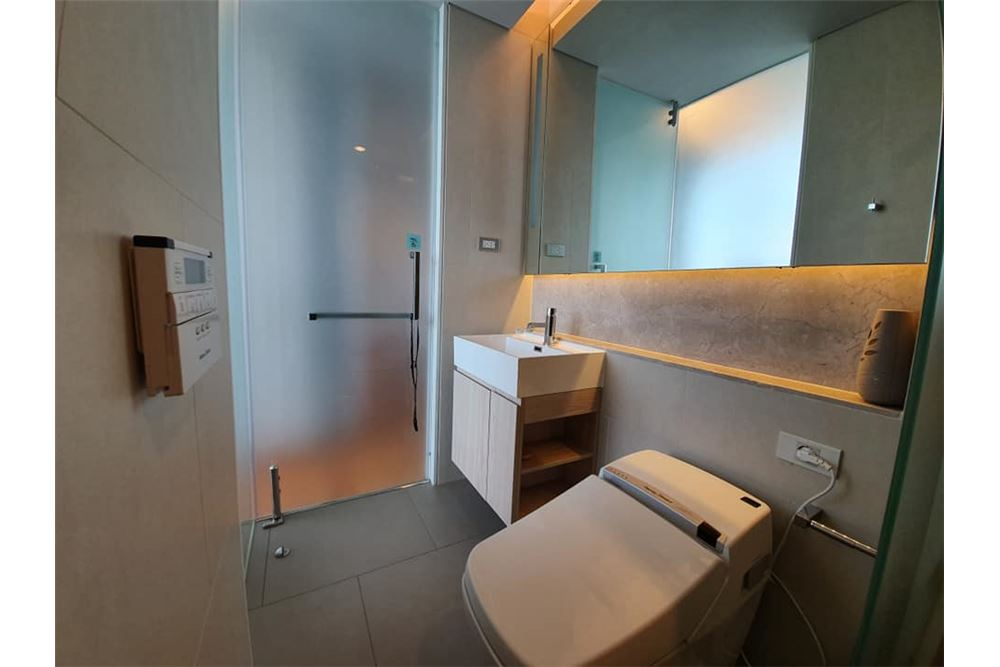 RE/MAX Properties Agency's The Lumpini24 For  RENT 5