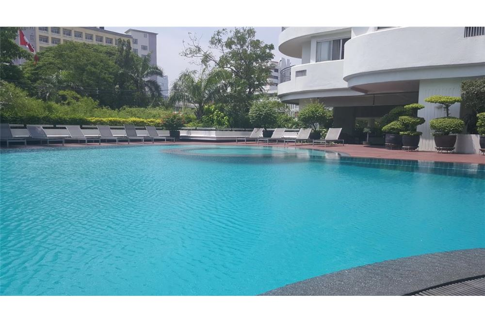 RE/MAX Executive Homes Agency's Baan Suan Plu / 3 Bedrooms / For Rent Sathorn area 12