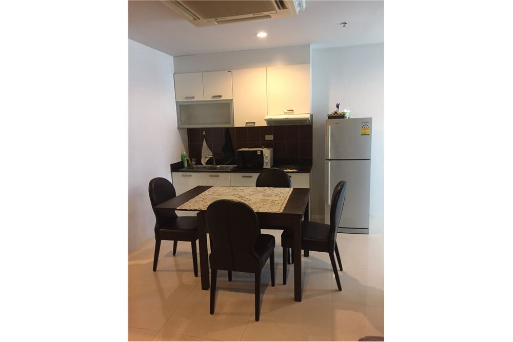 RE/MAX Executive Homes Agency's Spacious 1 Bedroom for Rent Sukhumvit Living Town 2
