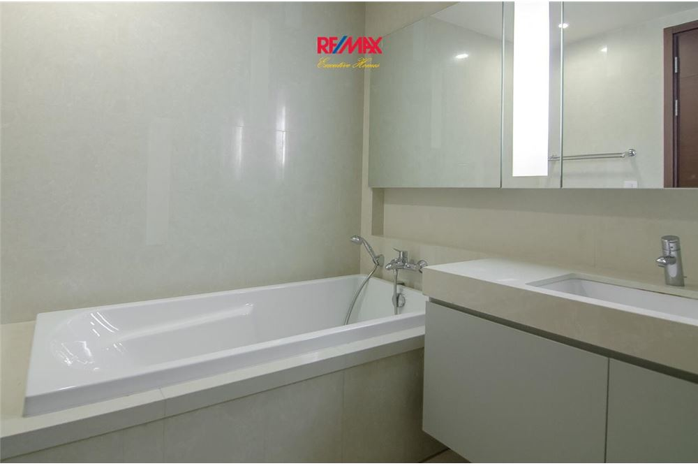 RE/MAX Executive Homes Agency's 2 Bedroom for Rent Quattro Thonglor 8