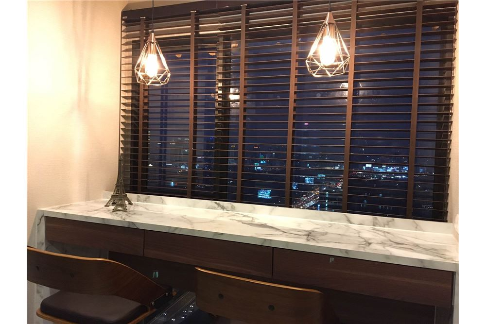 RE/MAX Properties Agency's Brand new 1 Bedroom for rent Rhythm Asoke 9