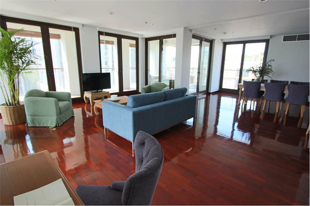 RE/MAX Executive Homes Agency's RENT / SATHORN SILOM / 4 bedroom apartment / 3