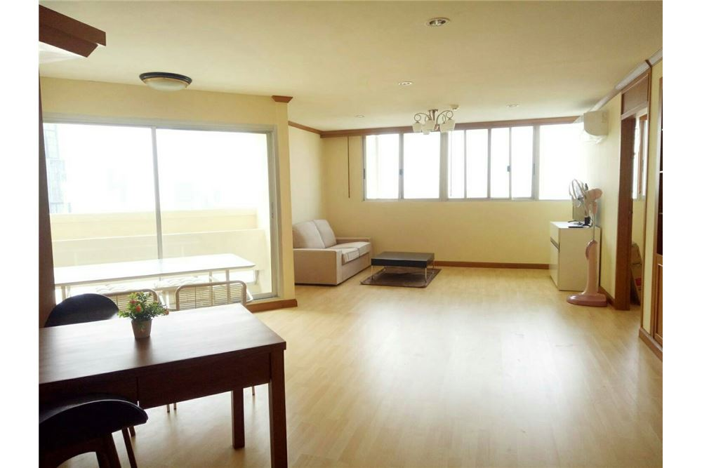RE/MAX Executive Homes Agency's Spacious 2 Bedroom for Rent Tai Ping Towers 1